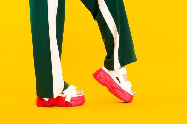 เลือกรองเท้าสุขภาพยางนิ่มอย่างไร ? ให้คุ้มราคาและใช้งานได้นาน